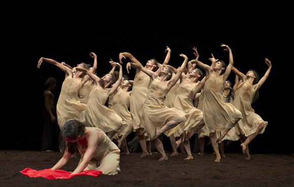 Tanztheatre Wupertal, The Rite of Spring photo L. Philippe