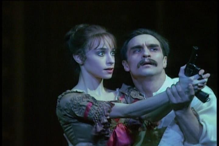 Irek Muhammed and Viviana Durante in MacMillan's Mayerling, The Royal Ballet