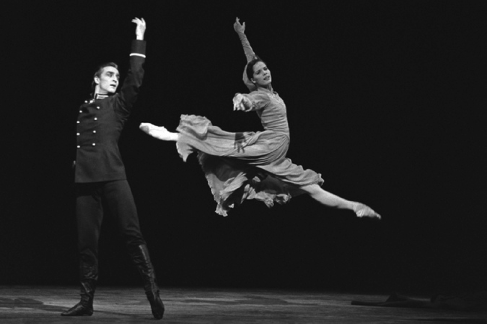 Irek Mukhamedov and Darcey Bussell in MacMillan's Winter Dreams, photo ROH